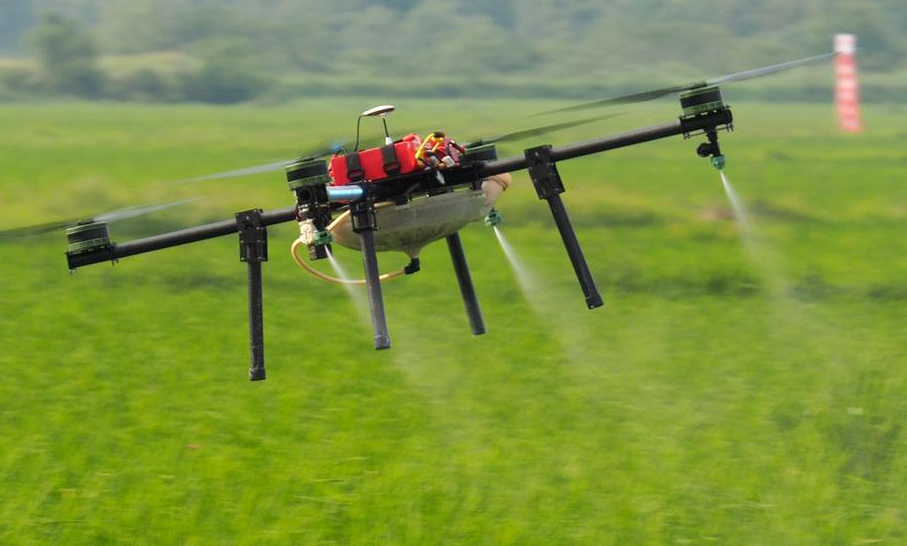 Agricultural drones great helpers for Xinjiang's fruit farmers