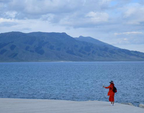 Xinjiang's highest lake a natural wonder